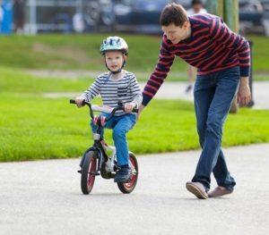 enfant tricycle